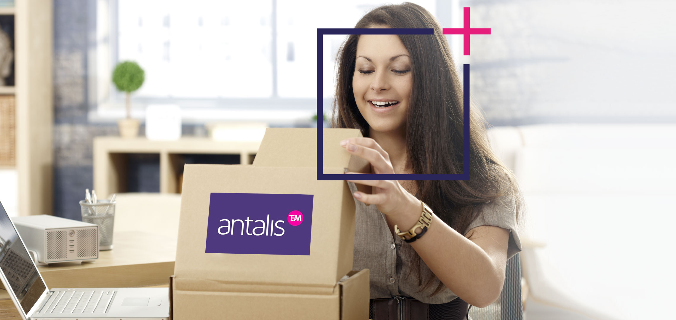 women-opening-antalis-package